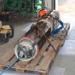 Sanierungspacker mit Harz getränktem Glasfaserlaminat. Packer ist mit 1,5 bar beaufschlagt.